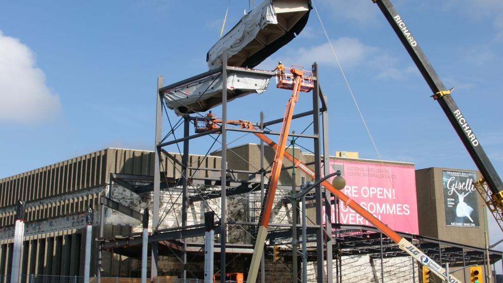 Caissons en bois installés dans le haut de la tourelle.